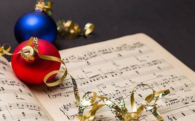 Cloenda dels tallers 'Aprèn a estimar-te' i Nadales 2019 amb la Coral del Barri i el Grup de Teatre Jove