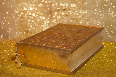 Diada de la Bíblia. Presentació de les Sagrades Escriptures. Missa major.