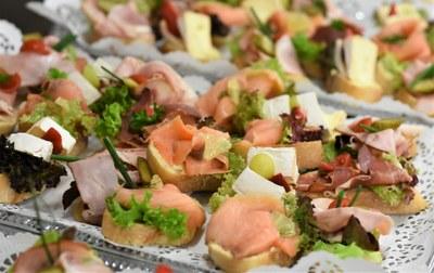 Festes del barri del Remei: tradicional vermut pica-pica