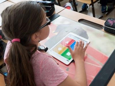 El Pressupost 2021 inclou la digitalització de les aules dels centres públics amb portàtils o tauletes