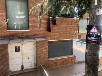 L'alcalde ordena el desallotjament de dos habitatges ocupats davant el perill que aquests suposaven