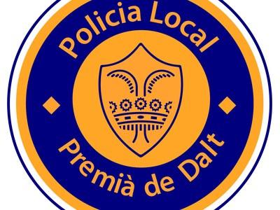 La Policia Local deté un home per desobediència i conducció temerària