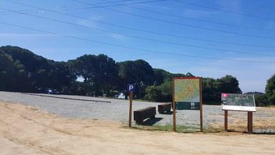S'adeqüen dues noves zones d'aparcament al Parc de la Serralada Litoral