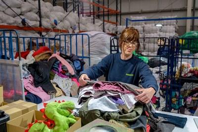 Una segona vida per a la roba: Humana recupera més de 17 tones de tèxtil a Premià de Dalt amb una finalitat social i ambiental